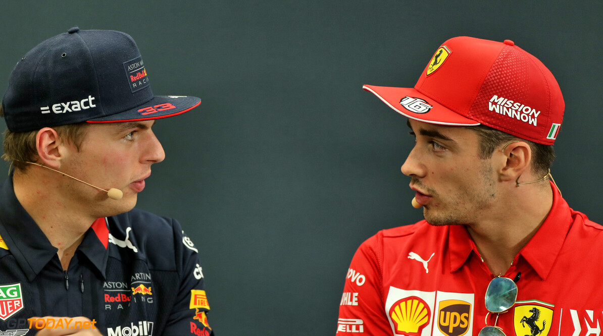 """Eddie Irvine: """"Charles Leclerc is een betere coureur dan Max Verstappen"""""""