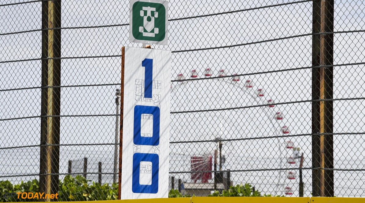 2019 Japanese GP SUZUKA, JAPAN - OCTOBER 10: 100 meter board during the Japanese GP at Suzuka on October 10, 2019 in Suzuka, Japan. (Photo by Mark Sutton / LAT Images) 2019 Japanese GP Mark Sutton  Japan  atmosphere pirelli