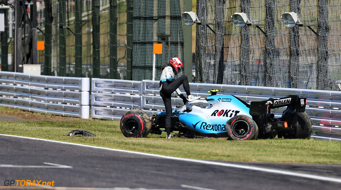 Williams facing 'tight' battle to repair Kubica's car for race start