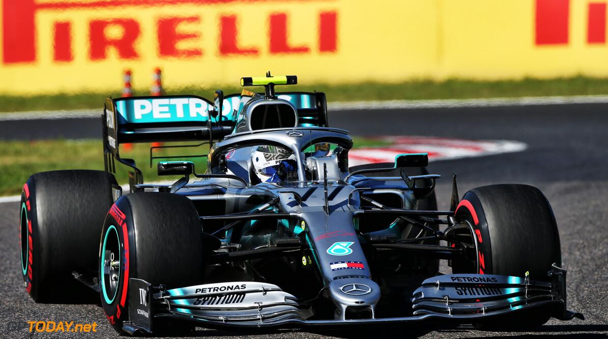 <b>Grand Prix van Japan</b>: Bottas overtuigend naar zege, Verstappen valt uit