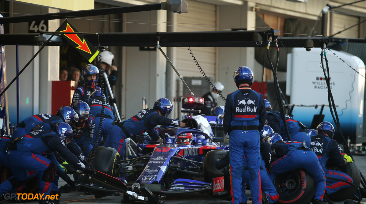 Formula One World Championship Daniil Kvyat (RUS), Scuderia Toro Rosso pit stop. 13.10.2019. Formula 1 World Championship, Rd 17, Japanese Grand Prix, Suzuka, Japan, Race Day. - www.xpbimages.com, EMail: requests@xpbimages.com - copy of publication required for printed pictures. Every used picture is fee-liable. (C) Copyright: Batchelor / XPB Images Motor Racing - Formula One World Championship - Japanese Grand Prix - Race Day - Suzuka, Japan XPB Images Suzuka Japan  Formel1 Formel F1 Formula 1 Formula1 GP Grand Prix one Suzuka Circuit Japan Japanese Sunday October 13 10 2019 Race Action Track