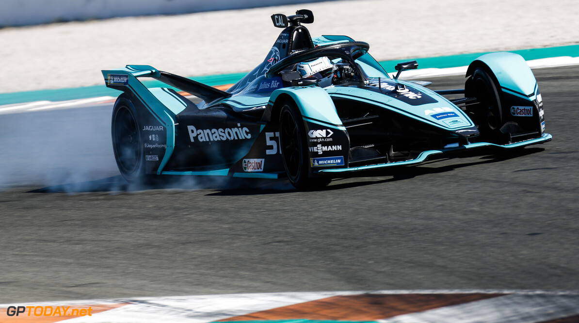 James Calado (GBR), Panasonic Jaguar Racing, Jaguar I-Type 4, locks up  Joe Portlock    action