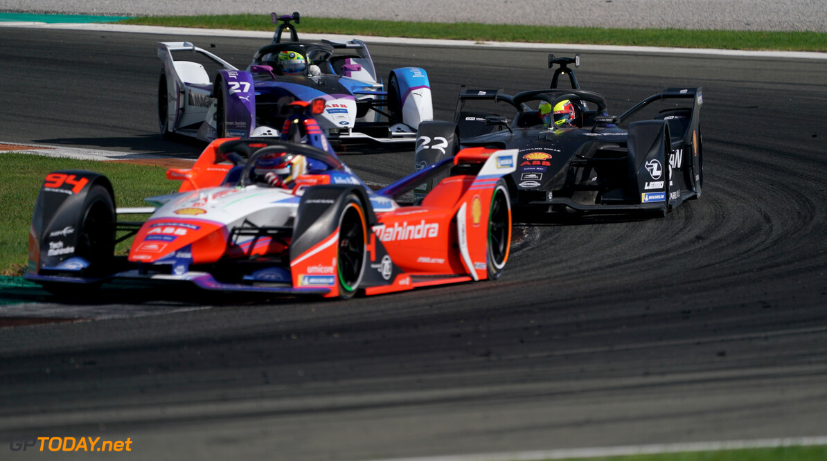 Pascal Wehrlein (DEU), Mahindra Racing, M6Electro, Oliver Rowland (GBR), Nissan e.Dams, Nissan IMO2 and Alexander Sims (GBR) BMW I Andretti Motorsports, BMW iFE.20   Dan Bathie    action