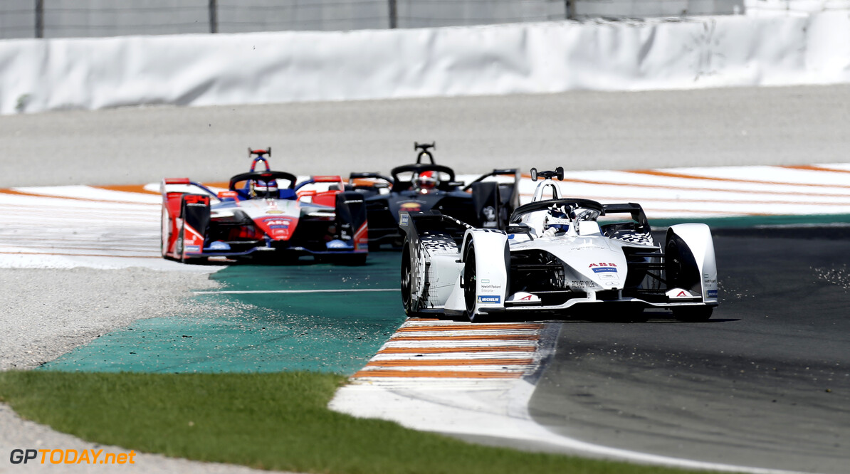 Edoardo Mortara (CHE) Venturi, EQ Silver Arrow 01, Pascal Wehrlein (DEU), Mahindra Racing, M6Electro   Joe Portlock    action