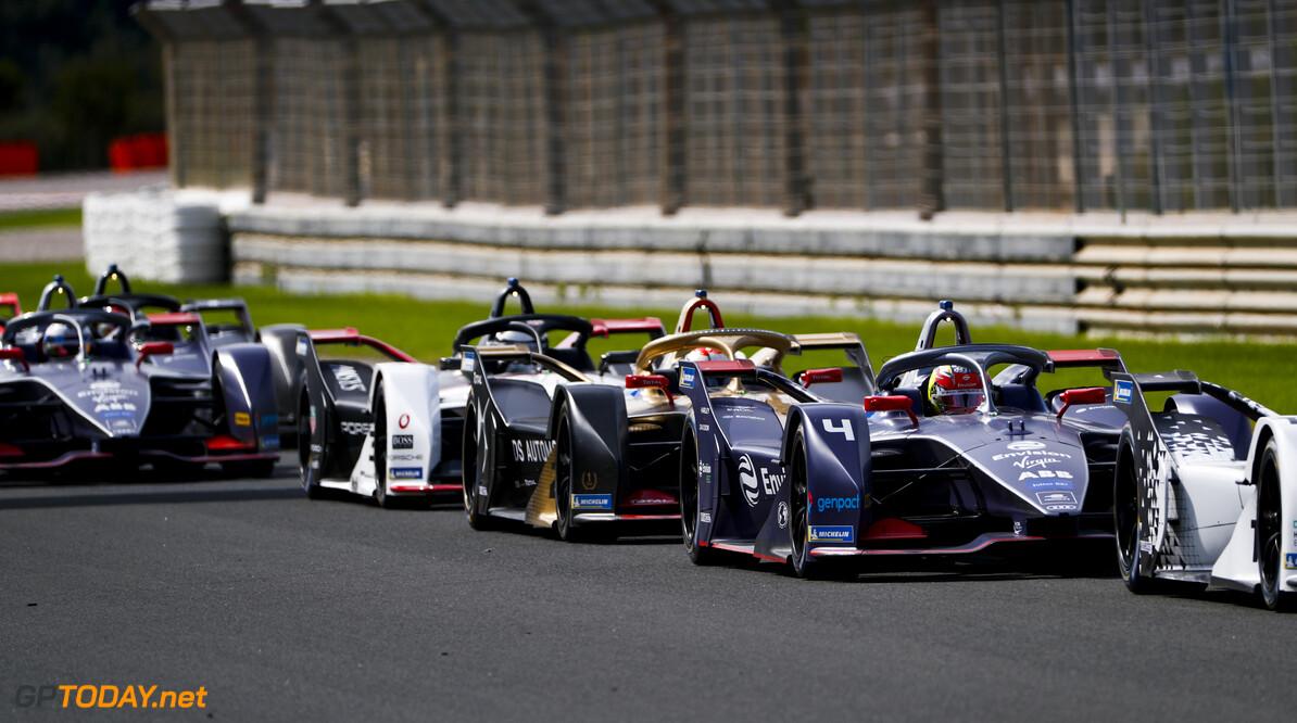 Robin Frijns (NLD), Envision Virgin Racing, Audi e-tron FE06, Jean-Eric Vergne (FRA), DS Techeetah, DS E-Tense FE20   Sam Bloxham    action