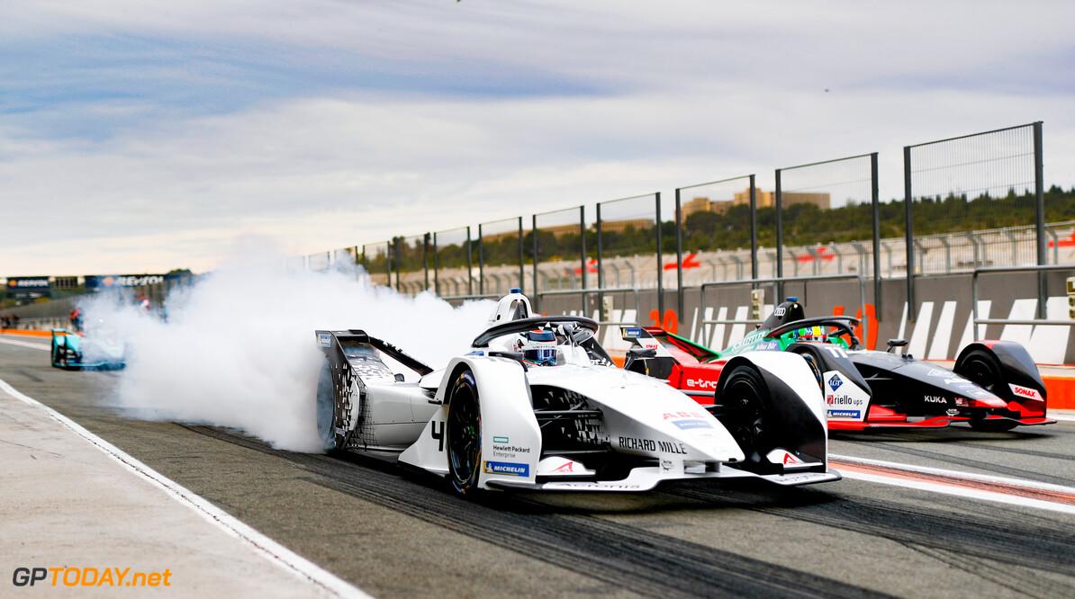 Edoardo Mortara (CHE) Venturi, EQ Silver Arrow 01, burn out in the pit lane next to Lucas Di Grassi (BRA), Audi Sport ABT Schaeffler, Audi e-tron FE06   Sam Bloxham    action