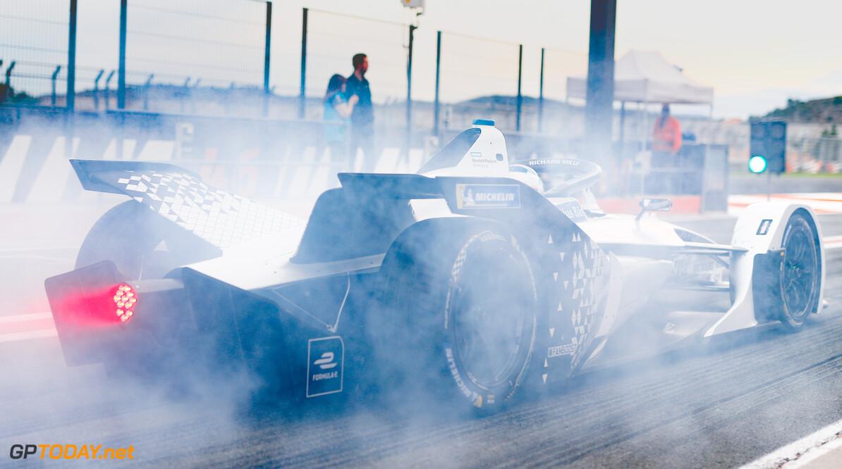 Edoardo Mortara (CHE) Venturi, EQ Silver Arrow 01, burn out in the pit lane   Sam Bloxham    action rear