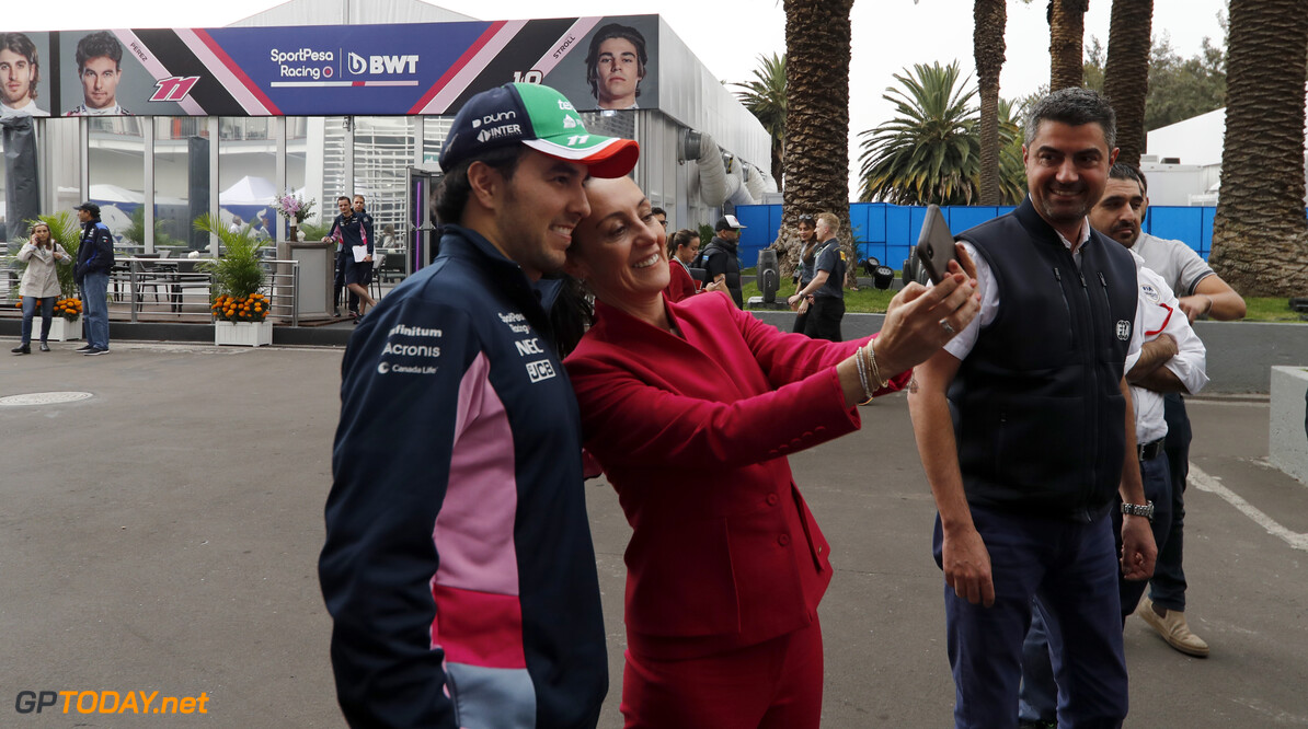 Sergio Perez, Racing Point and Claudia Sheinbaum the Mayor of Mexico City in the Racing Point garage  Glenn Dunbar    garage mayor mexico GP19018a GP19018a_M F1 GP Mexico Mexican Autodromo-Hermanos-Rodriguez