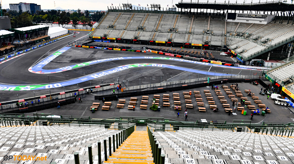 2019 Mexican GP MEXICO CITY - OCTOBER 24: Grand stand view of the track during the 2019 Formula One Mexican Grand Prix at Autodromo Hermanos Rodriguez, on October 24, 2019 in Mexico City, Mexico. (Photo by Mark Sutton / LAT Images) 2019 Mexican GP Mark Sutton  Mexico  atmosphere