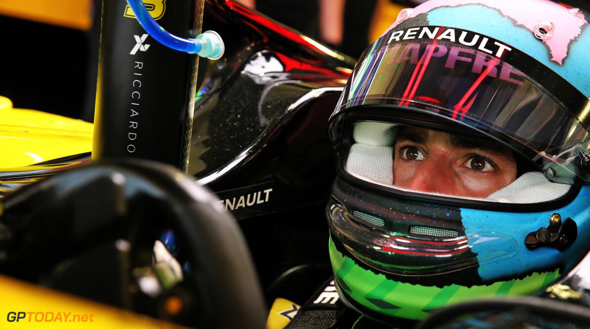 """Daniel Ricciardo: """"De middenmoot zit zeer, zeer dicht bij elkaar"""""""