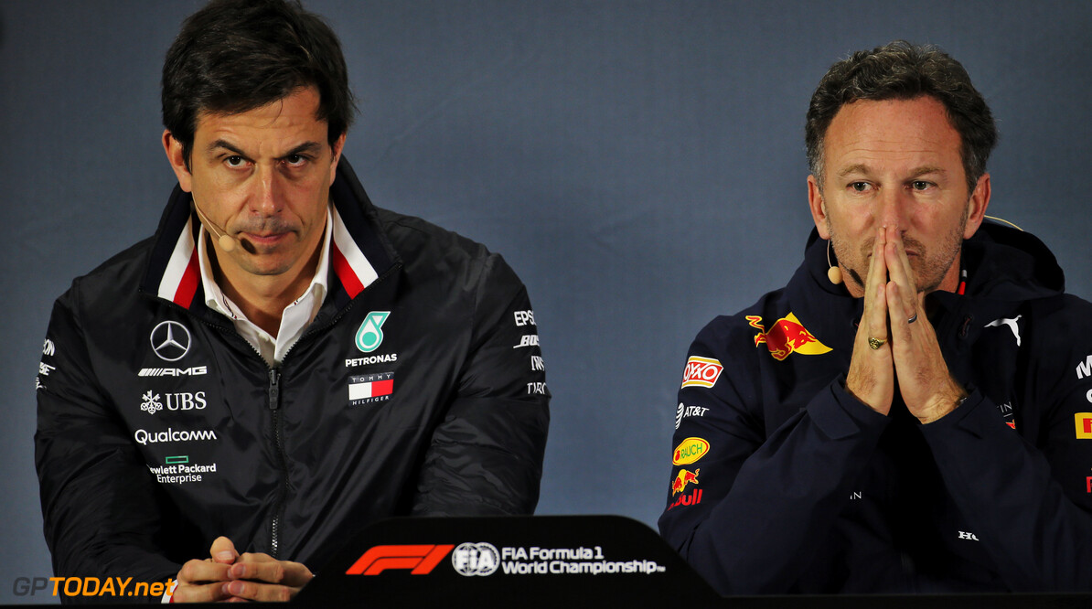 """Toto Wolff weigert mee te werken: """"Red Bull krijgt geen motoren van Mercedes"""""""