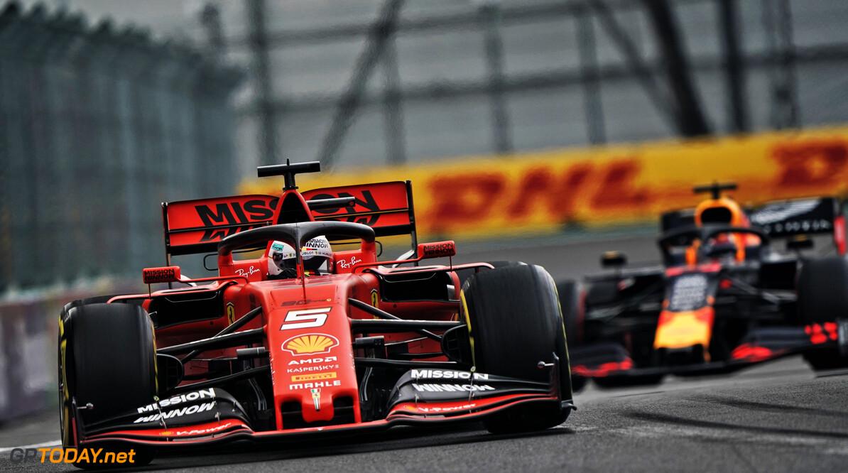<b>VT2</b>: Vettel blijft Verstappen tiende voor in tweede oefensessie Mexico