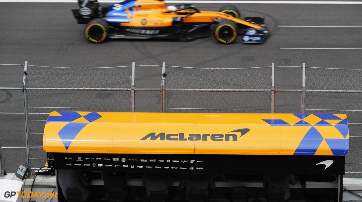 Carlos Sainz, McLaren MCL34   Steven Tee    gantry pits pit lane side on