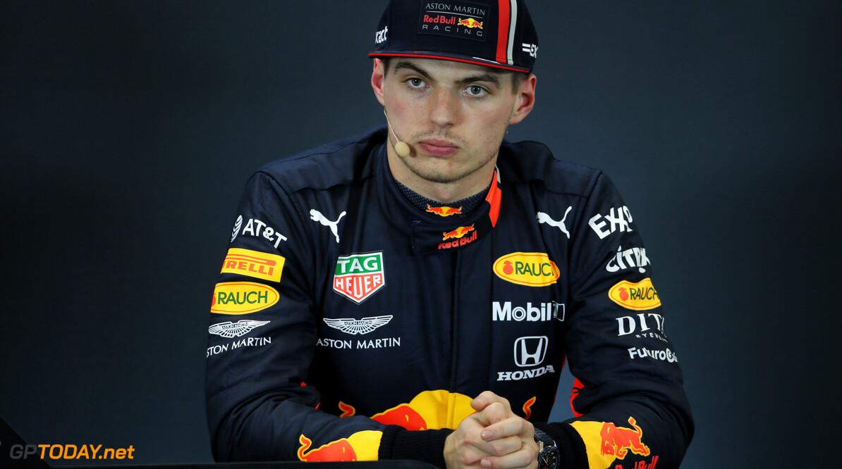 """Max Verstappen hint op langer verblijf bij Red Bull: """"Ik wil helemaal niet van team wisselen"""""""
