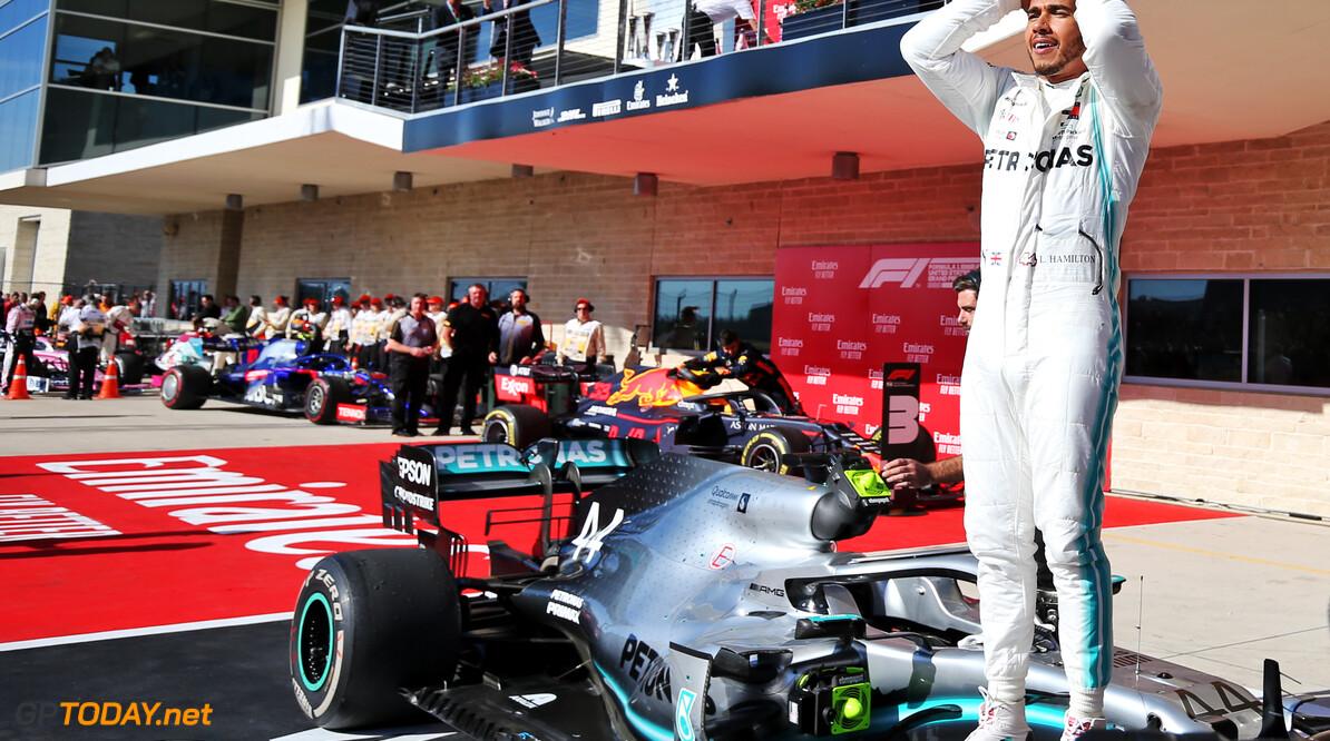 "Hamilton: ""Iedere coureur praat voor 2020 wel met aantal teams"""