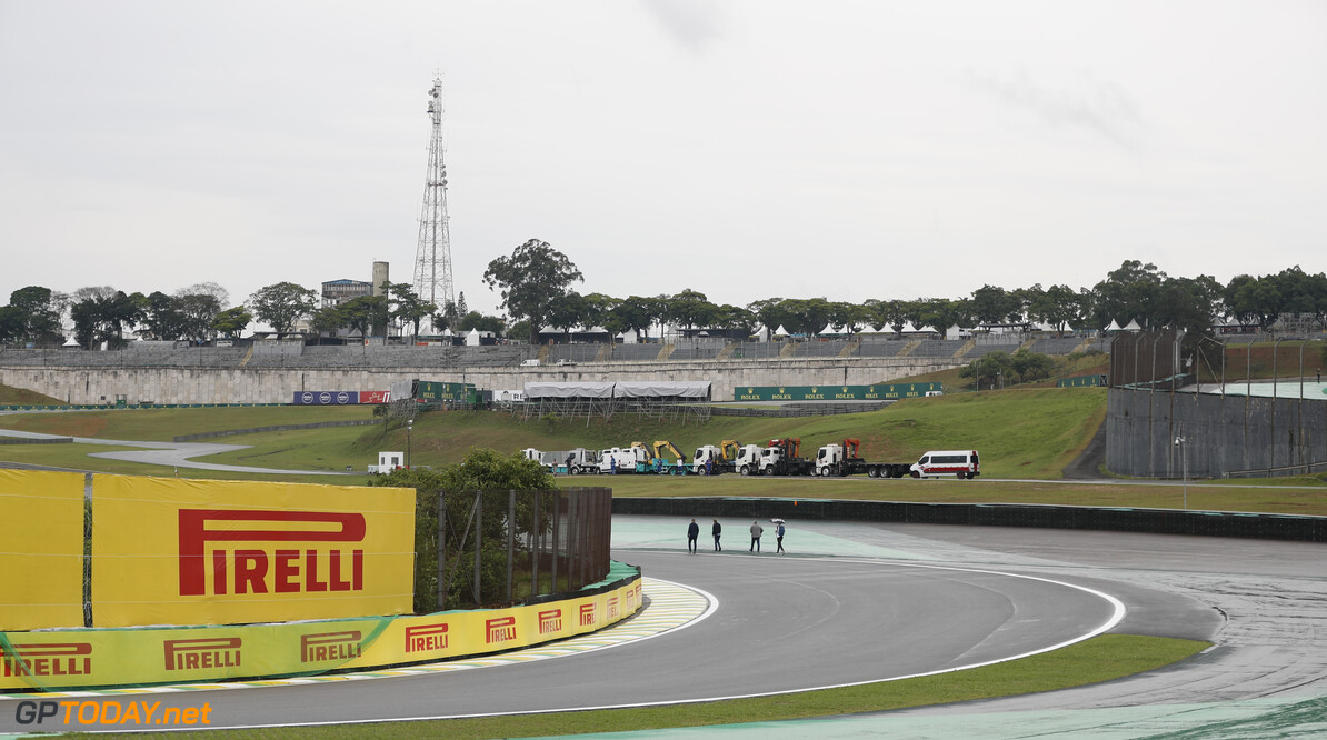 2019 Brazilian GP SAO PAULO, BRAZIL - NOVEMBER 14: Pirelli branding around the track during the 2019 Formula One Brazilian Grand Prix at Aut?dromo Jos? Carlos Pace, on November 14, 2019 in Sao Paulo, Brazil. (Photo by Zak Mauger / LAT Images) 2019 Brazilian GP Zak Mauger  Brazil