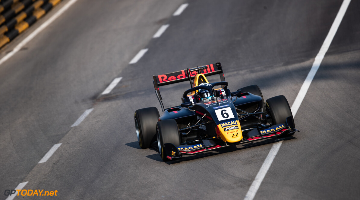 Vips storms to pole in Macau