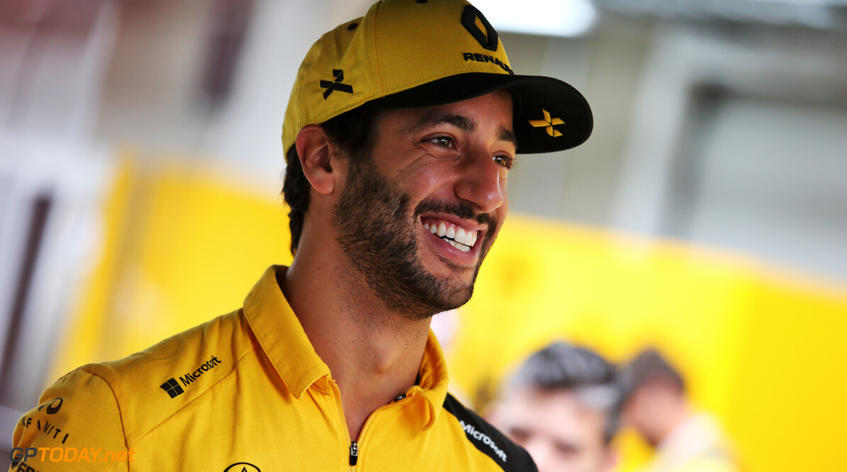 <b>Video:</b> Daniel Ricciardo recenseert racefilms als Driven en Talladega Nights