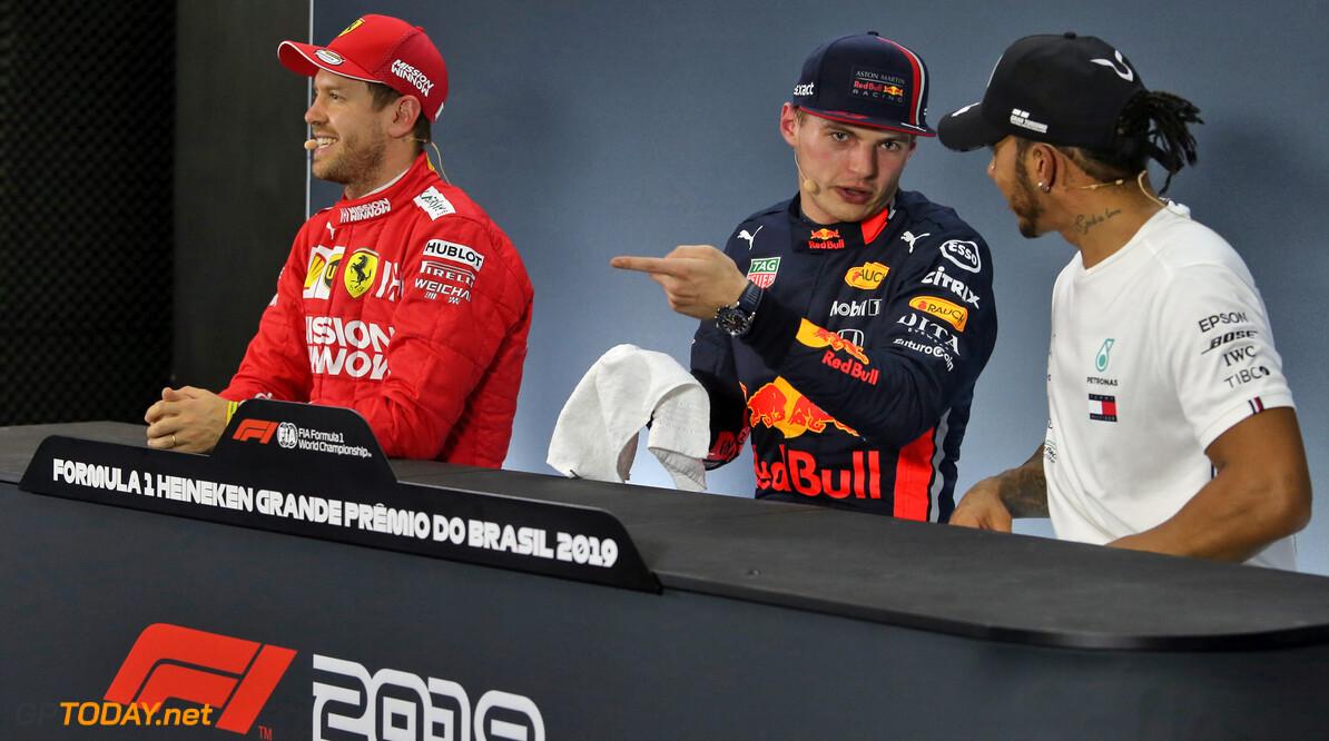 Sebastian Vettel verrast Max Verstappen door vertrek bij Ferrari