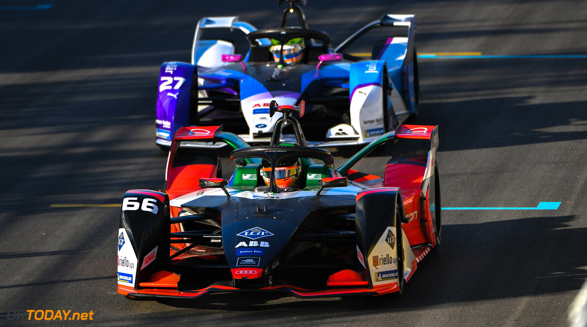 Daniel Abt (DEU), Audi Sport ABT Schaeffler, Audi e-tron FE06 leads Alexander Sims (GBR) BMW I Andretti Motorsports, BMW iFE.20   Sam Bagnall    action