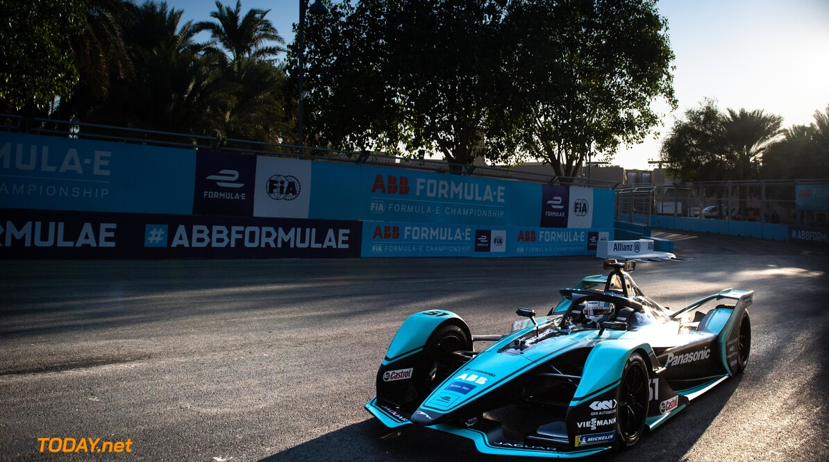 2020 Diriyah E-prix I RIYADH STREET CIRCUIT, SAUDI ARABIA - NOVEMBER 21: James Calado (GBR), Panasonic Jaguar Racing, Jaguar I-Type 4 during the Diriyah E-prix I at Riyadh Street Circuit on November 21, 2019 in Riyadh Street Circuit, Saudi Arabia. (Photo by Simon Galloway / LAT Images) 2020 Diriyah E-prix I Simon Galloway  Saudi Arabia  action