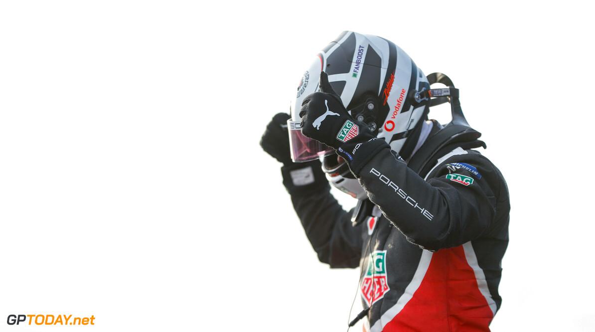 Andre Lotterer (DEU), Tag Heuer Porsche, 2nd position  Zak Mauger    portrait podium