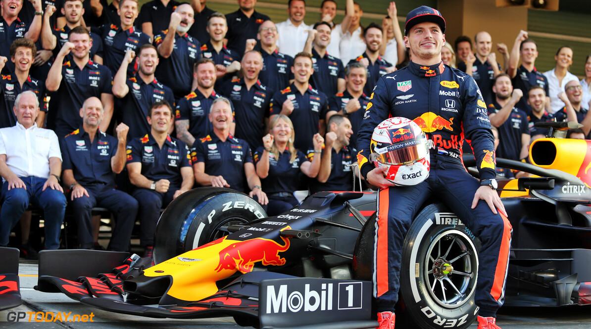 Red Bull Racing trekt dinsdag het laken van de nieuwe RB16B