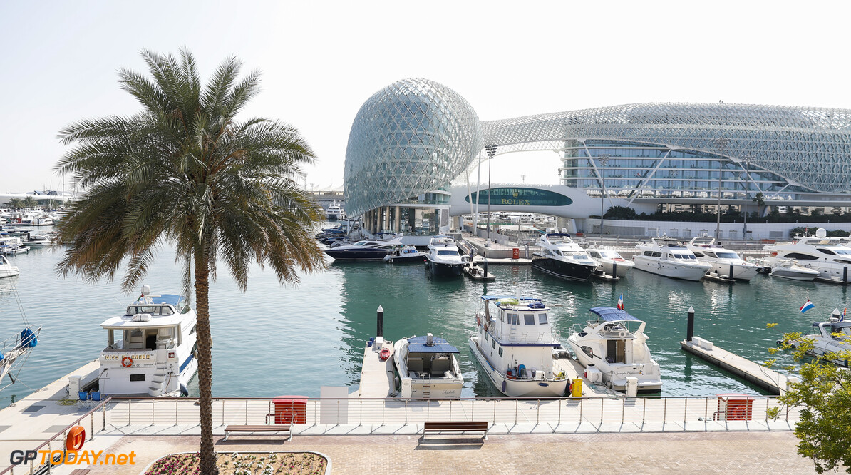 2019 Abu Dhabi GP YAS MARINA CIRCUIT, UNITED ARAB EMIRATES - NOVEMBER 28: The Yas Marina harbour during the Abu Dhabi GP at Yas Marina Circuit on November 28, 2019 in Yas Marina Circuit, United Arab Emirates. (Photo by Zak Mauger / LAT Images) 2019 Abu Dhabi GP Zak Mauger  United Arab Emirates  scenic atmosphere