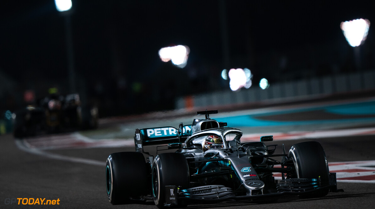 <b>Kwalificatie</b>: Hamilton pakt pole in Abu Dhabi, tweede startpositie Verstappen