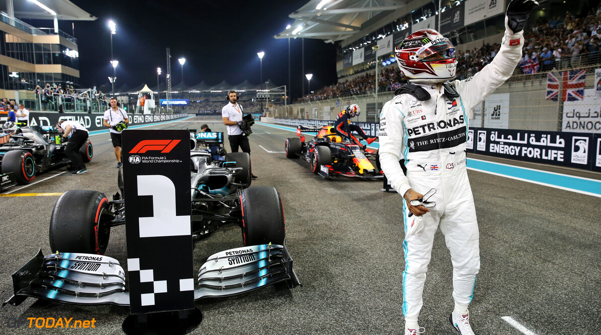 <strong>Qualifying:</strong> Hamilton storms to pole in Abu Dhabi