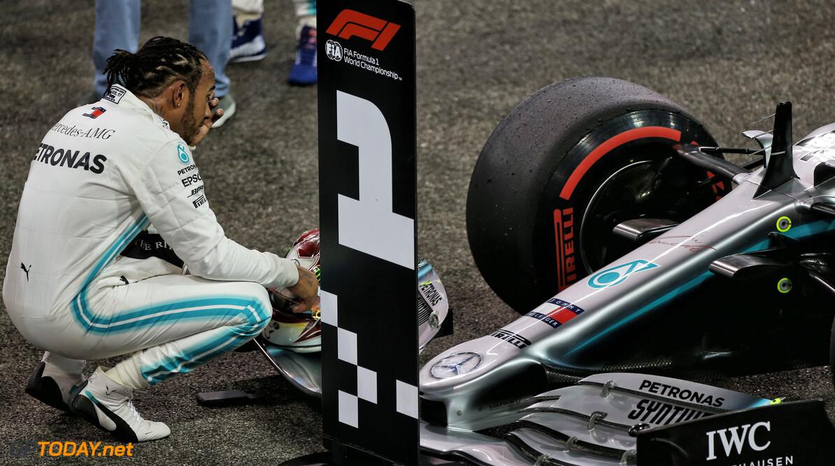 <b>Video: </b>De pole-ronde van Lewis Hamilton versus Charles Leclerc en Max Verstappen