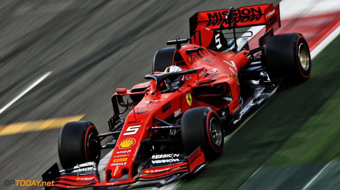 "Sebastian Vettel boos op achterblijver: ""Kom op, ga aan de kant!"""