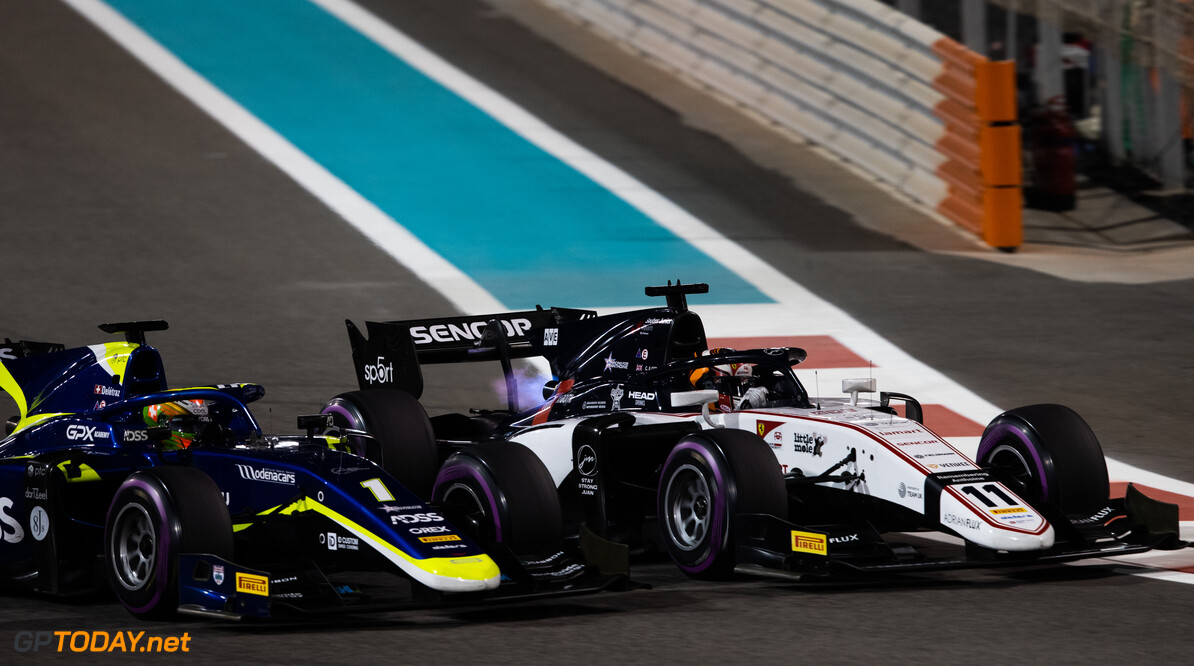 FIA Formula 2 YAS MARINA CIRCUIT, UNITED ARAB EMIRATES - NOVEMBER 30: Callum Ilott (GBR, SAUBER JUNIOR TEAM BY CHAROUZ) and Louis Deletraz (CHE, CARLIN) during the Abu Dhabi at Yas Marina Circuit on November 30, 2019 in Yas Marina Circuit, United Arab Emirates. (Photo by Joe Portlock / LAT Images / FIA F2 Championship) FIA Formula 2 Joe Portlock  United Arab Emirates  FIA Formula 2