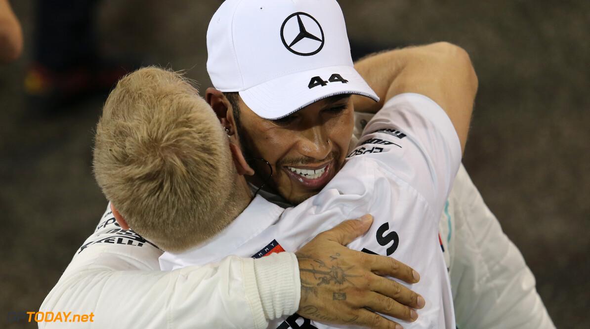 """Briatore: """"Hamilton is een sterke coureur, maar onder druk is hij te verslaan"""""""