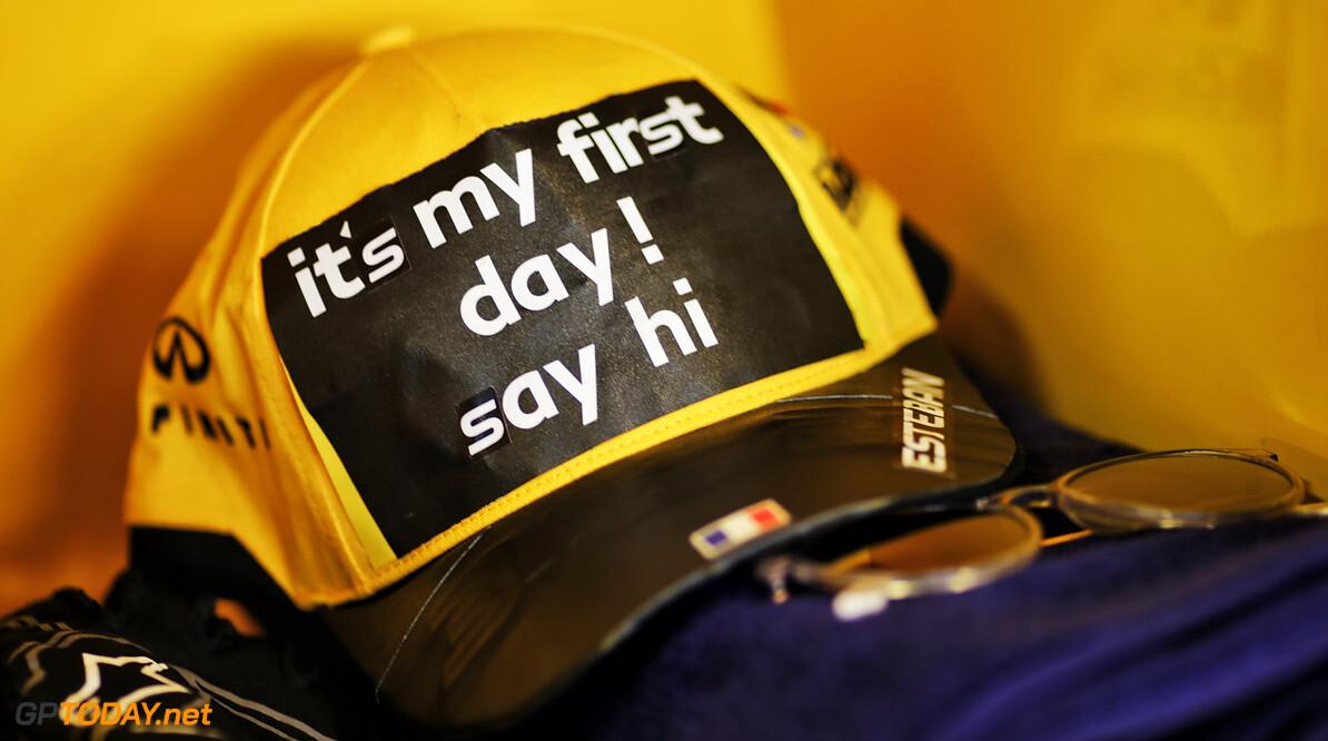 Renault slingert vanmiddag nieuwe motor aan van RS20