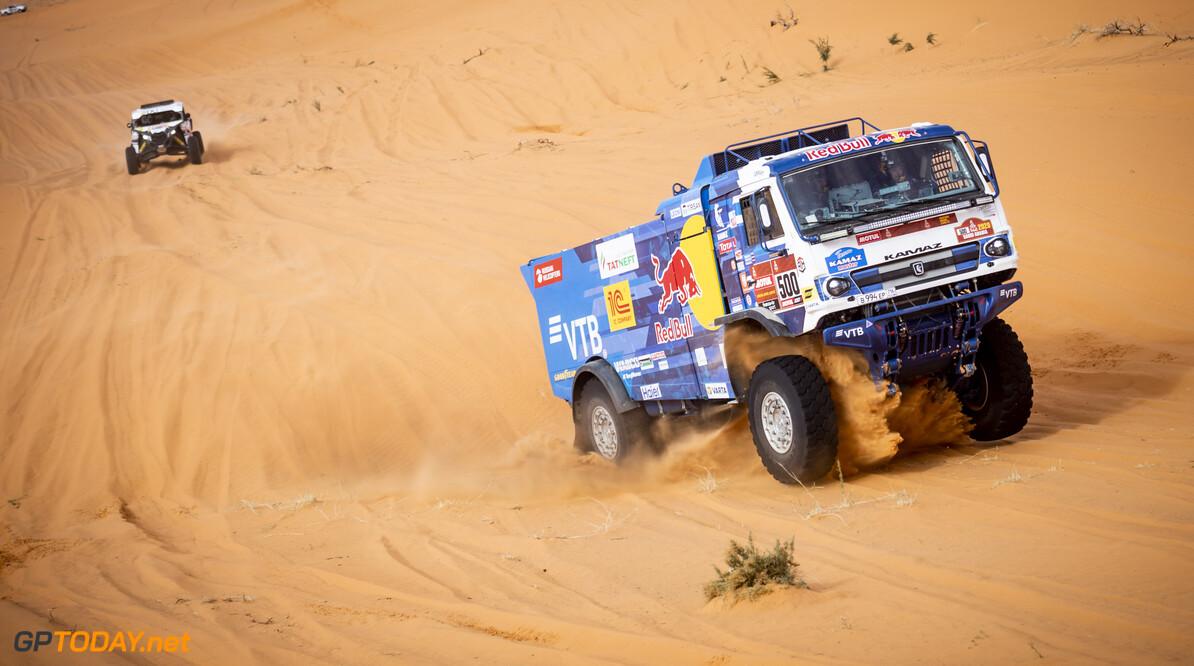 Karginov breidt voorsprong uit met derde etappezege op rij bij trucks