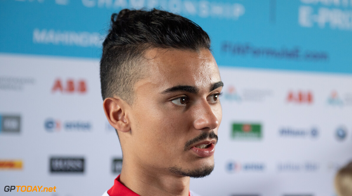 Pascal Wehrlein (DEU), Mahindra Racing talks to the press   Simon Galloway