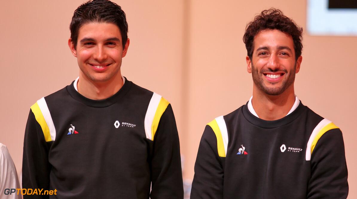 """Ocon en Ricciardo: """"Moeten Hamilton niet afkraken, maar trots op hem zijn"""""""
