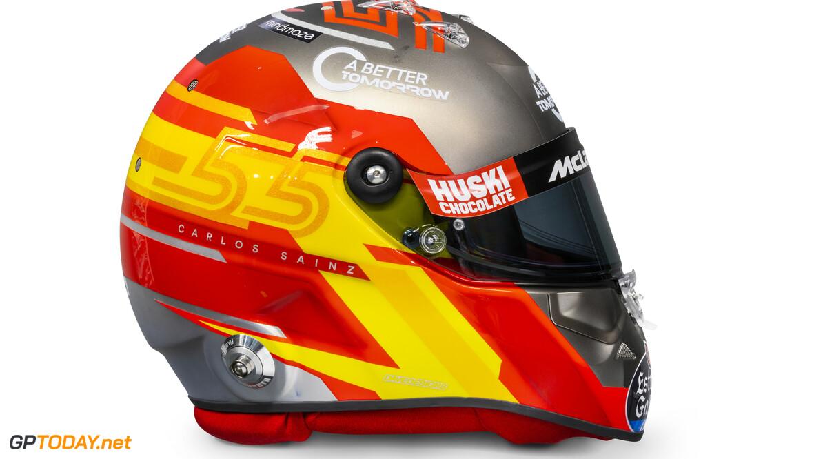 Carlos Sainz 2020 helmet_side view  Malcolm Griffiths    Carlos Sainz 55 helmet race mcl35 partners BAT Huski Estrella Galicia LN A Better Tomorrow McLaren yellow red