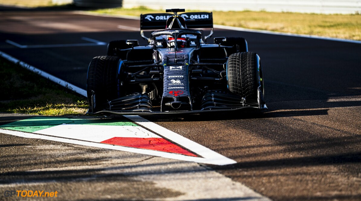 <b>Video:</b> Kimi Raikkonen rijdt eerste meters met Alfa Romeo C39