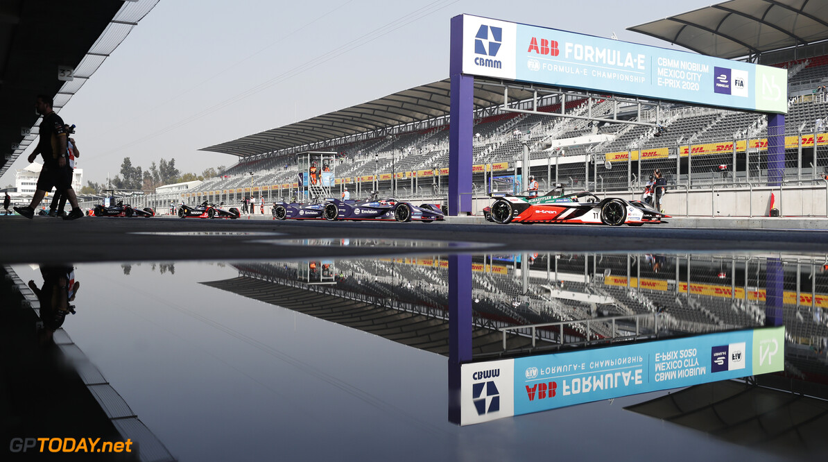 Lucas Di Grassi (BRA), Audi Sport ABT Schaeffler, Audi e-tron FE06 leads Robin Frijns (NLD), Envision Virgin Racing, Audi e-tron FE06 and Sam Bird (GBR), Envision Virgin Racing, Audi e-tron FE06   Sam Bloxham    action TS-Live