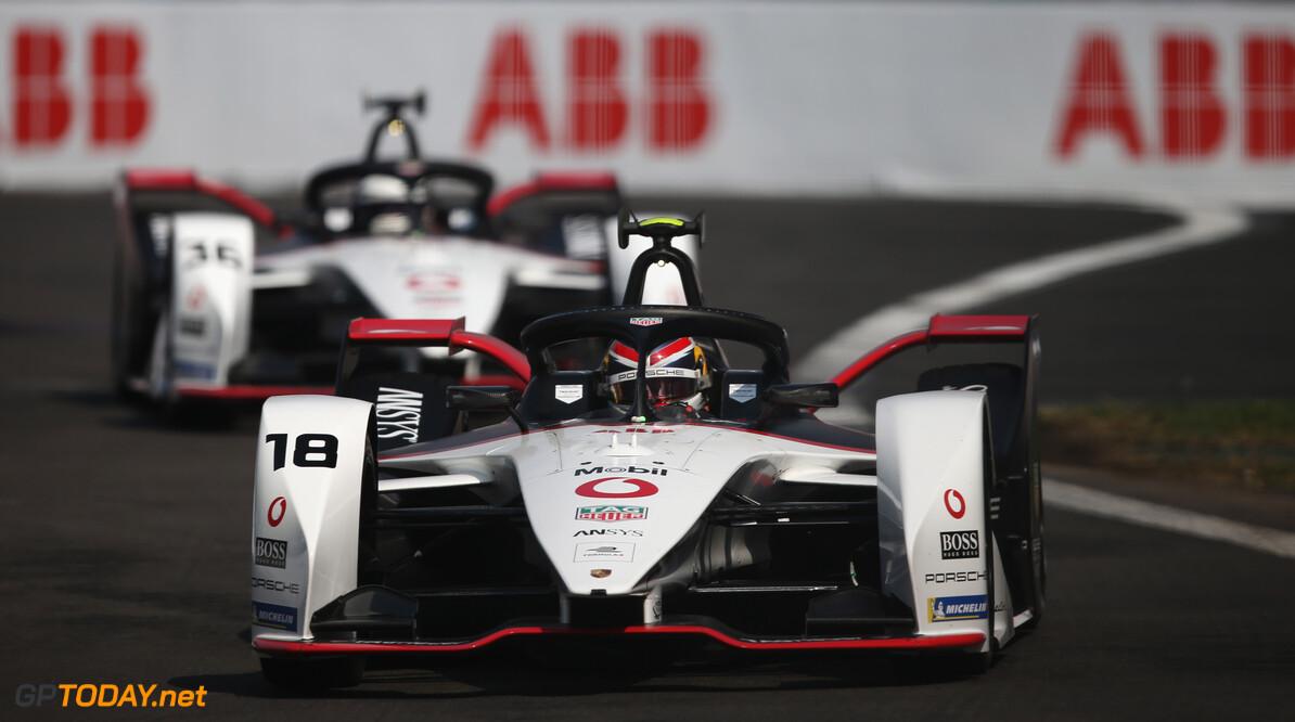 Neel Jani (CHE), Tag Heuer Porsche, Porsche 99x Electric, leads Andre Lotterer (DEU), Tag Heuer Porsche, Porsche 99x Electric  Dom Romney    TS-Live