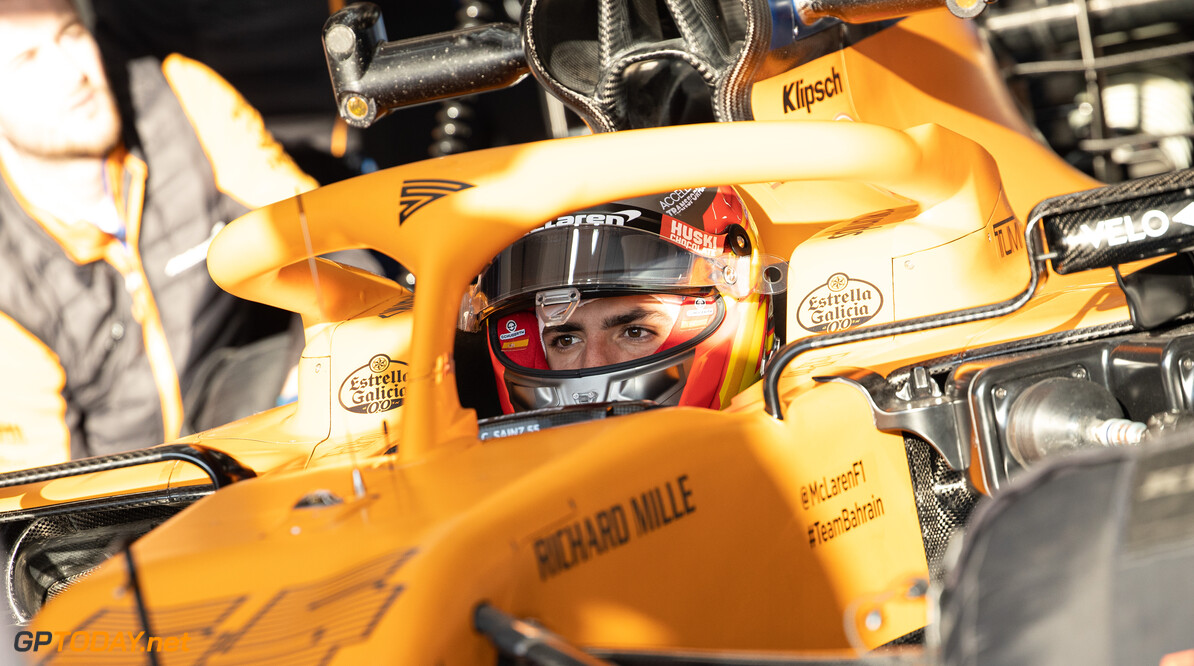 """Sainz geïrriteerd: """"McLaren kan lastig concurreren met kleine teams die hulp krijgen"""""""