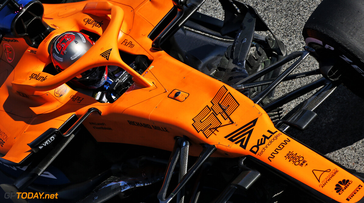 <b>Video:</b> Sainz writes 'Thank you' letter to McLaren