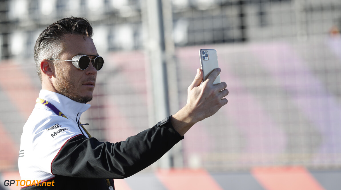 Andre Lotterer (DEU), Tag Heuer Porsche on his track walk  Sam Bloxham    trackwalk TS-Live