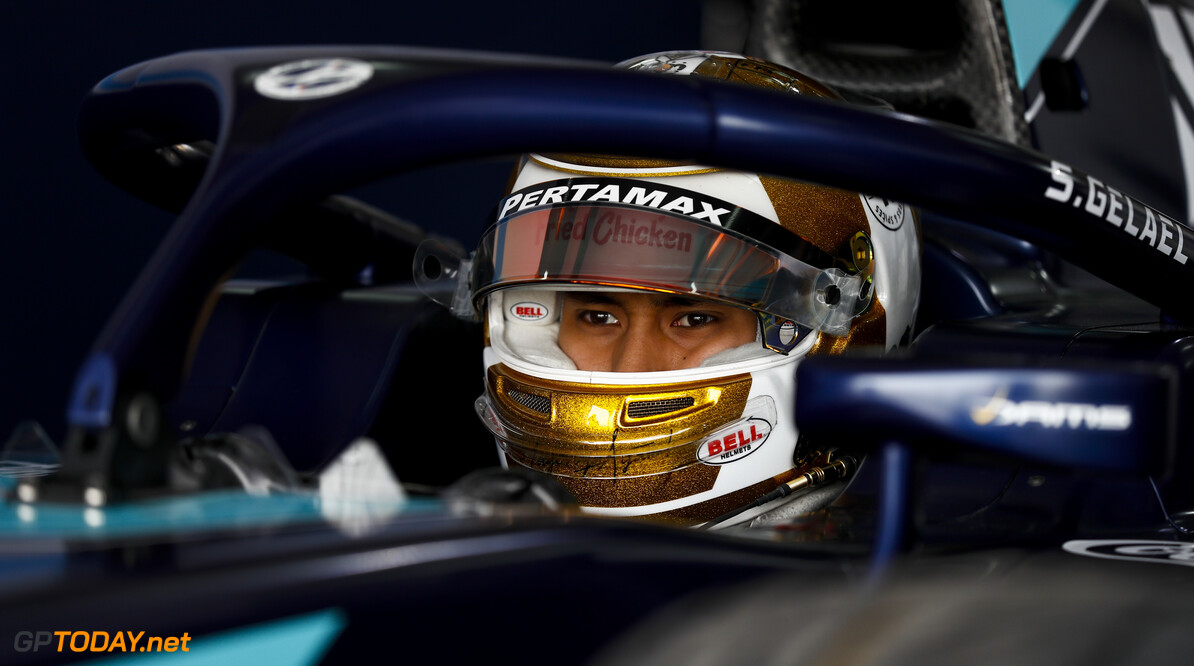 FIA Formula 2 BAHRAIN INTERNATIONAL CIRCUIT, BAHRAIN - MARCH 01: Sean Gelael (IDN, DAMS) during the Test 1 - Bahrain at Bahrain International Circuit on March 01, 2020 in Bahrain International Circuit, Bahrain. (Photo by Carl Bingham / LAT Images / FIA F2 Championship) FIA Formula 2 Carl Bingham  Bahrain  Portrait