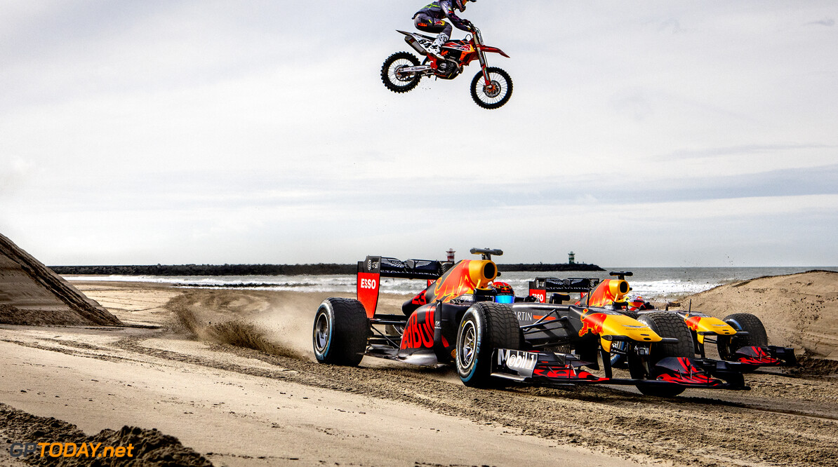 Max Verstappen, Alexander Albon and Jeffrey Herlings perform during The Dutch Road Trip at Scheveningen beach in The Hague, Netherlands on January 27, 2020 // Rutger Pauw / Red Bull Content Pool // AP-23Q7F8H751W11 // Usage for editorial use only //  Max Verstappen, Alexander Albon and Jeffrey Herlings     AP-23Q7F8H751W11
