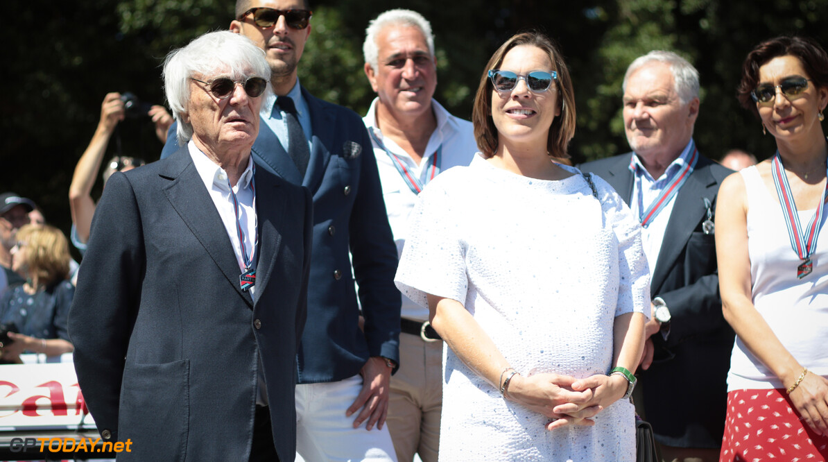 Ecclestone 'looking around' to find investors for Williams