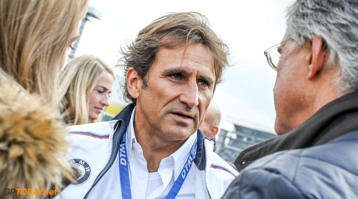 Alex Zanardi rushed to hospital after serious handbike accident