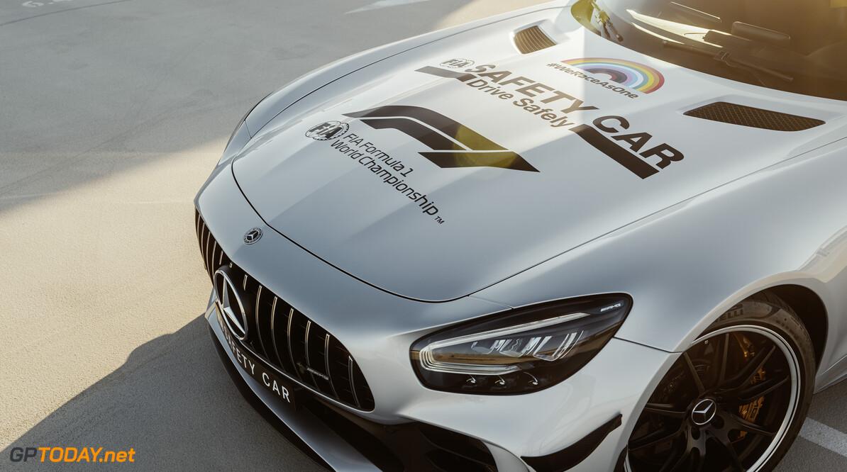 20C0317_002 Mercedes-AMG GT-R Official FIA F1 Safety Car;Kraftstoffverbrauch kombiniert 12,4 l/100 km, CO2-Emissionen kombiniert 284-282 g/km*  Mercedes-AMG GT-R Official FIA F1 Safety Car;Combined fuel consumption 12.4 l/100 km, combined CO2 emissions 284-282 g/km* Mercedes-AMG GT R Official FIA F1 Safety Car im neuen Look: Das neue Design des Formel 1 Safety Car setzt Zeichen f?r Solidarit?t, Sicherheit und Vielfalt  Mercedes-AMG GT R Official FIA F1 Safety Car with a new look: The new design of the Formula 1 Safe Mercedes-Benz AG - Global Commun    Mercedes-Benz Cars 07 - 2020 Daimler Global MediaSite  Medical Car Mercedes-AMG GT R Official FIA F1 Safety Car with a new look MediaSite Brands & Products Safety Car  Motorsports Mercedes-AMG Press Releases sorted by years 2020 Formula 1